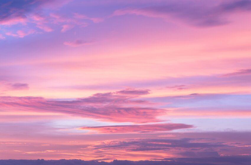 څیړنې: د آسمان رنګ آبي ندی؟ د آسمان د رنګ په اړه علمي نظریه